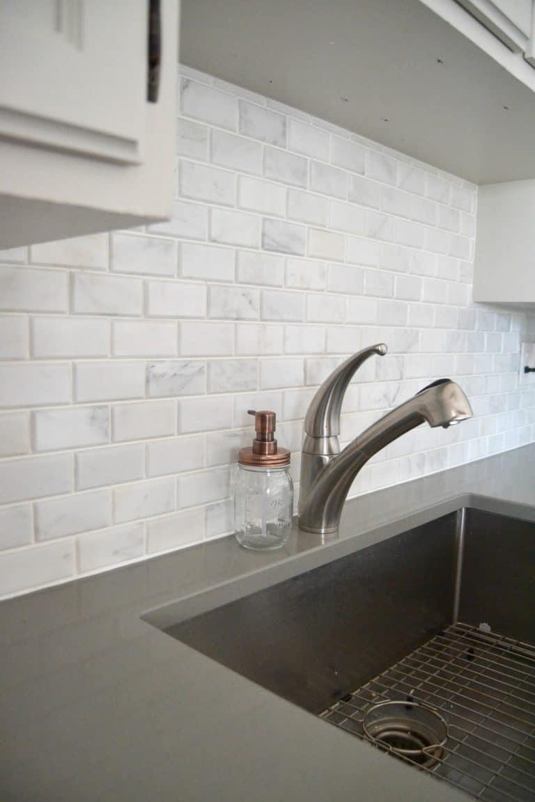 install carrara marble tile backsplash