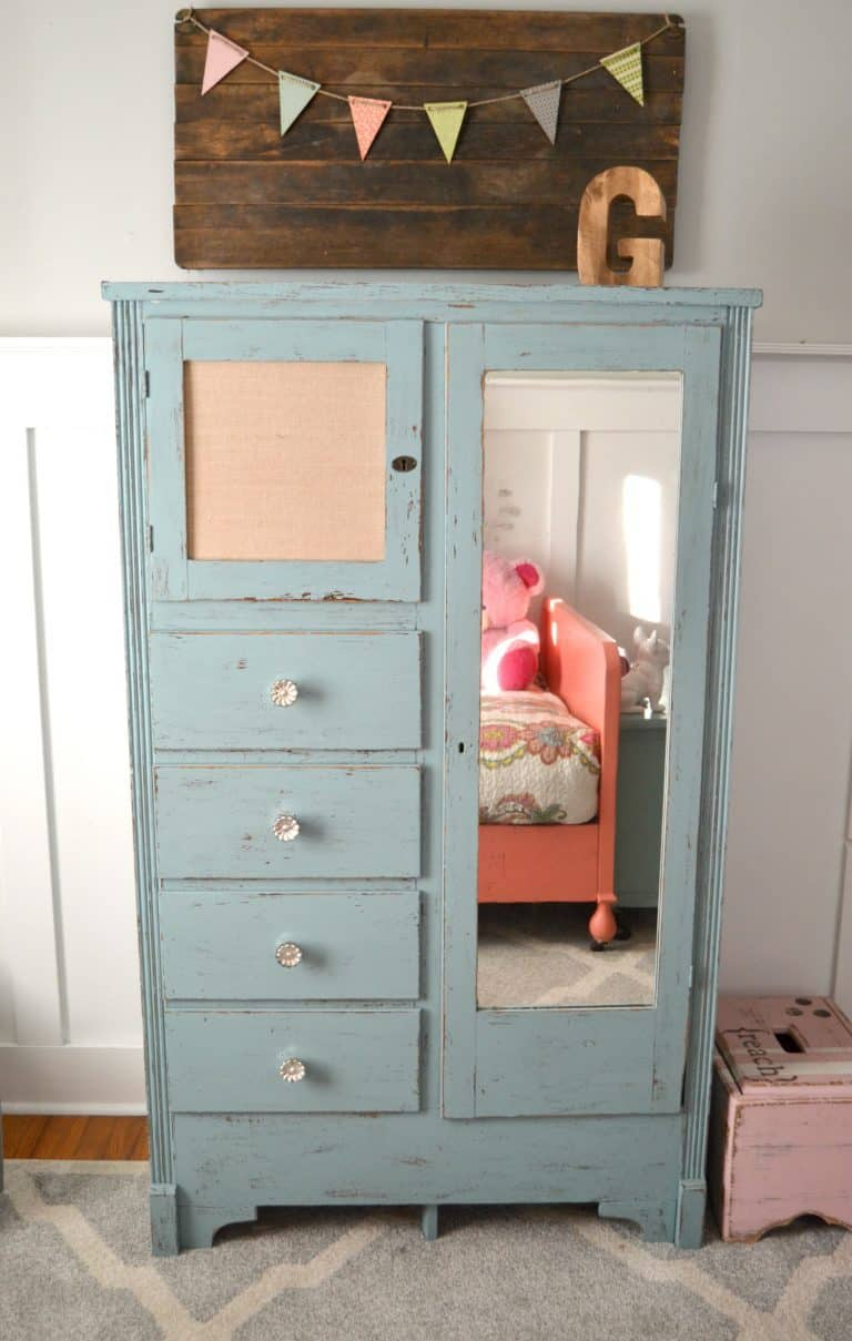 this mirrored dresser makeover made an