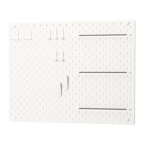 panneau perforé blanc scrap masking tape rangement matériel