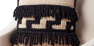 Bernat Graphic Step Crochet Pillow