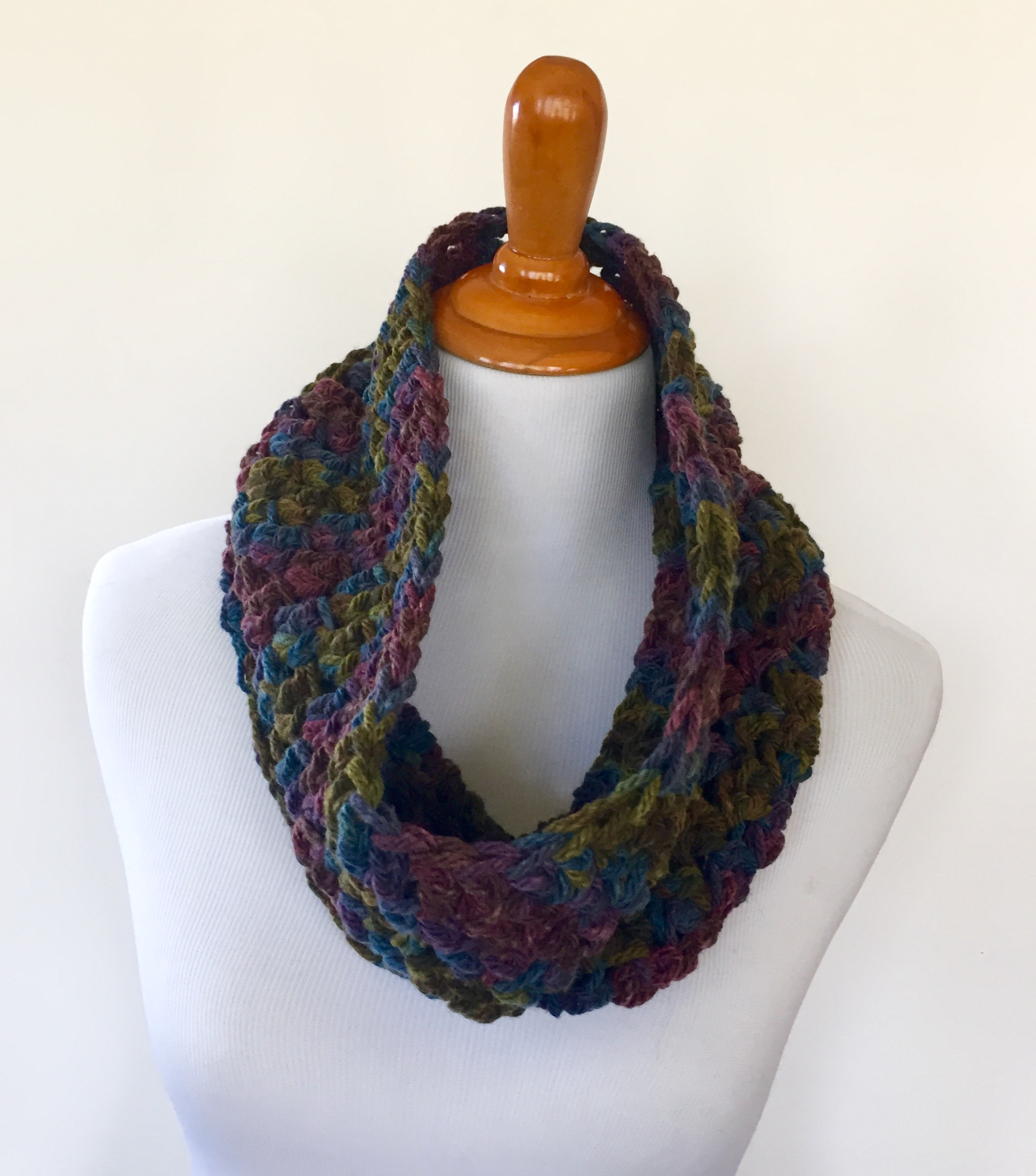 Best Products to Make with the Chunky Yarn Crochet Pattern Crochet Pattern Night In Paris Chunky Cowl