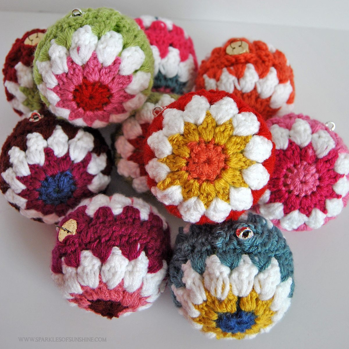 Crochet Ball Pattern Crocheted Christmas Ball Ornaments Free Pattern Sparkles Of Sunshine