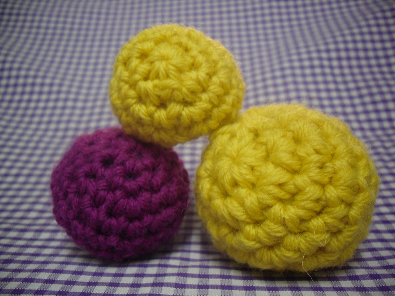 Crochet Ball Pattern Little Crochet Balls Pattern Roseberesford