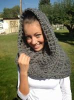 Scoodie Crochet Pattern Free Free Crochet Katniss Cowl Pattern Thefriendlyredfox