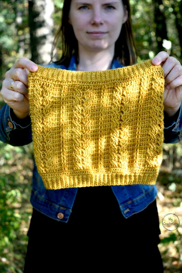 TOP 10 collection of free crochet cowl patterns compiled by mycrochetory.com