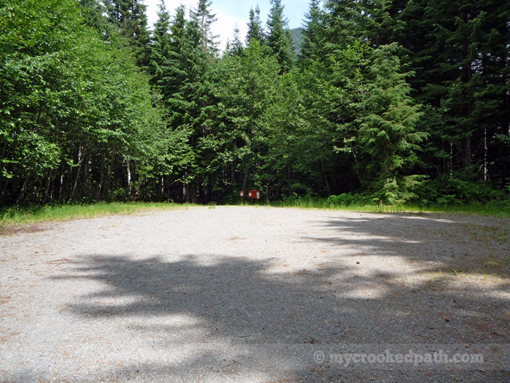 A trailhead with an empty parking lot!