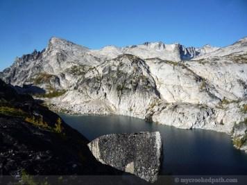 Big rocks on the ridge above Perfection
