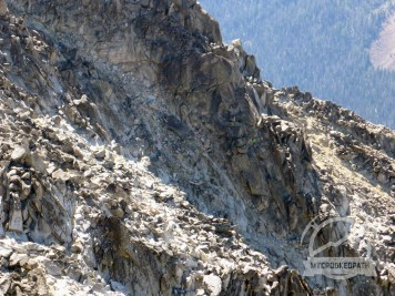 There are other climbers in this picture that took an even worse route than I did