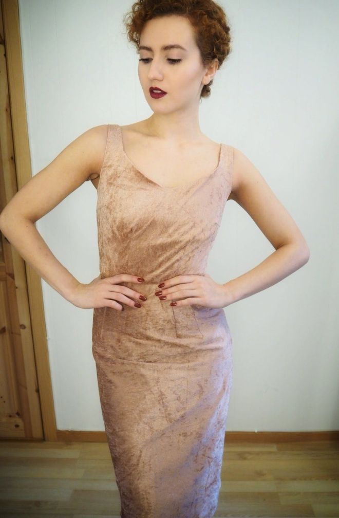 DIY Velvet Dress - The Sultry Sheath by Gertie