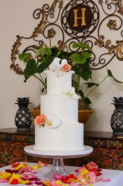 Noemi's Elegant White Birds Simple Wedding Cake Topper