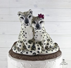 Snow Leoprads Realistic Cats Wedding Cake Topper