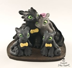 Night Fury Couple with Babies Cake Topper