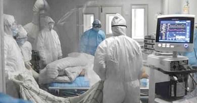 doctors treat coronavirus