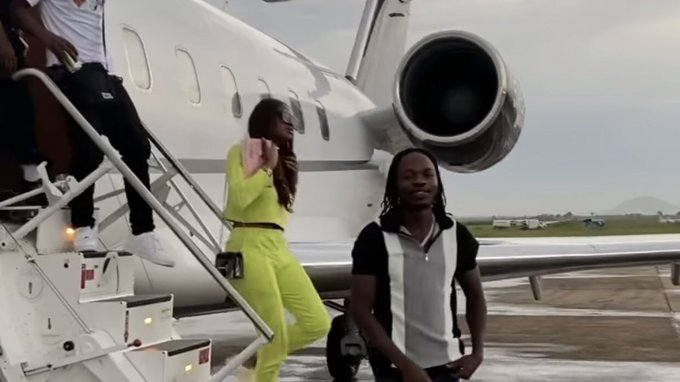 FG Lifts Ban On Airline That Flew Naira Marley to Abuja