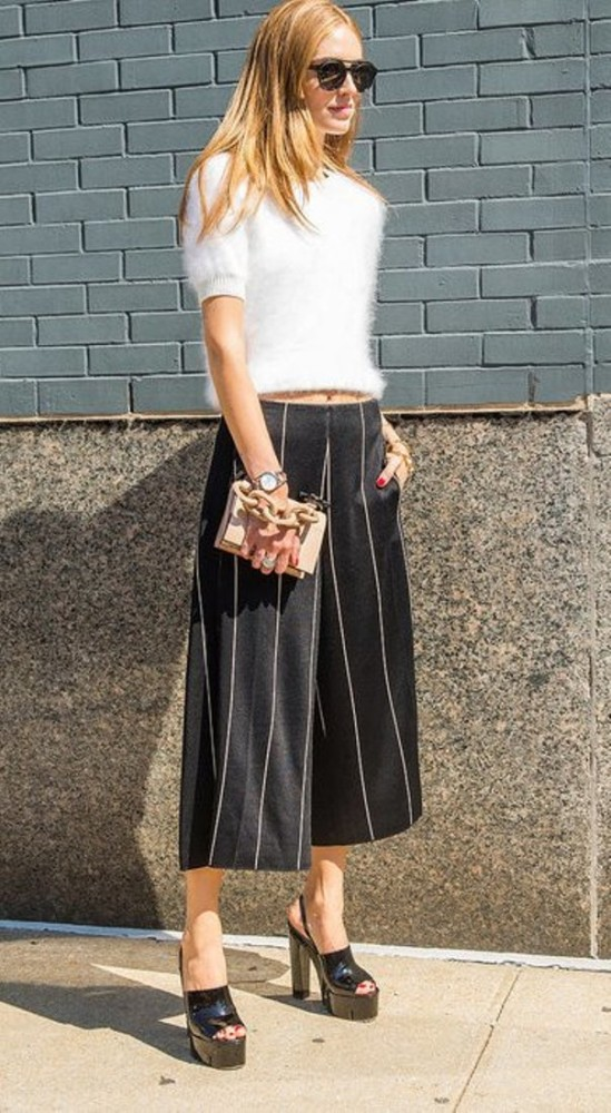 sweater-crop-top-and-culottes-pinstirpes-black-and-whtie-mules-spring-work-outfit-office-to-out-p