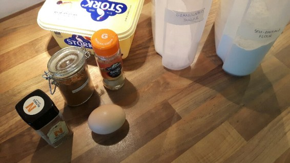 Ingredients for banana and apples muffins