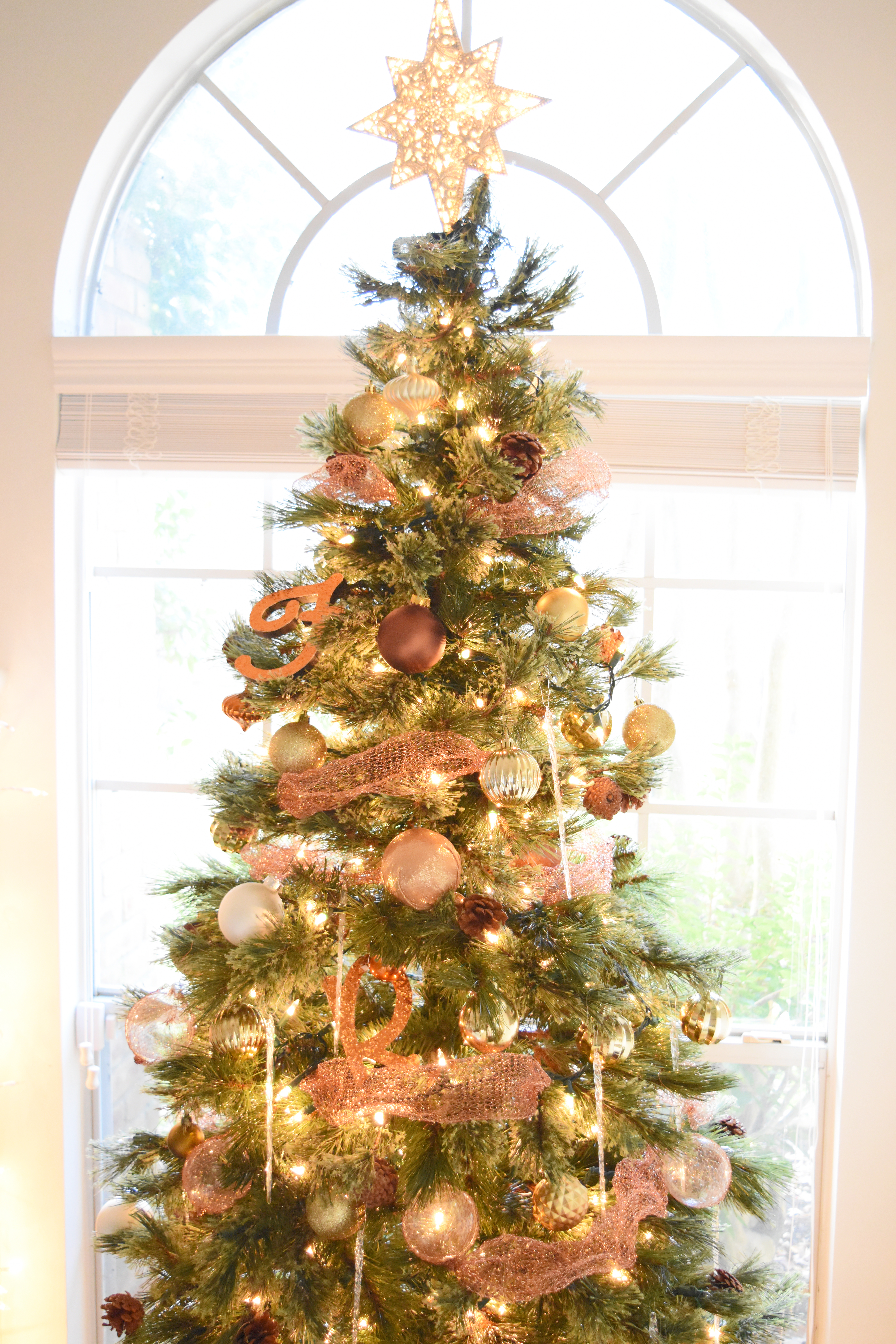 Christmas Tree With Mesh.Diy Copper Mesh Garland For Your Christmas Tree Once Again