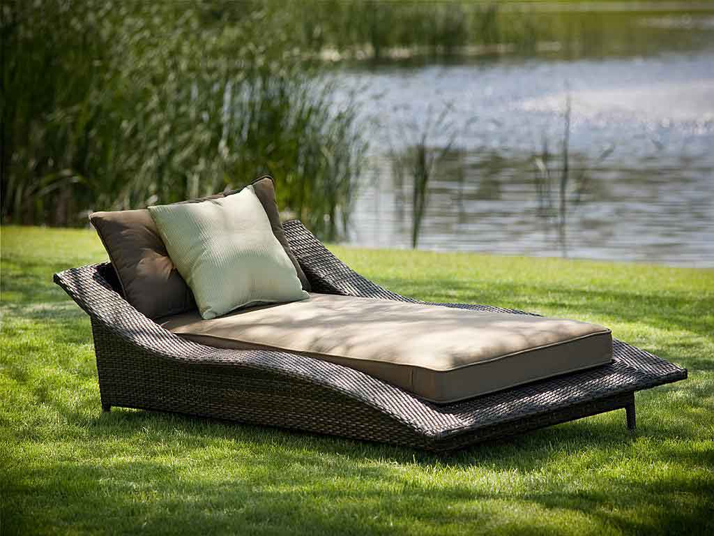 huge lawn chair raffia dining chairs ideas for choosing outdoor furniture my decorative