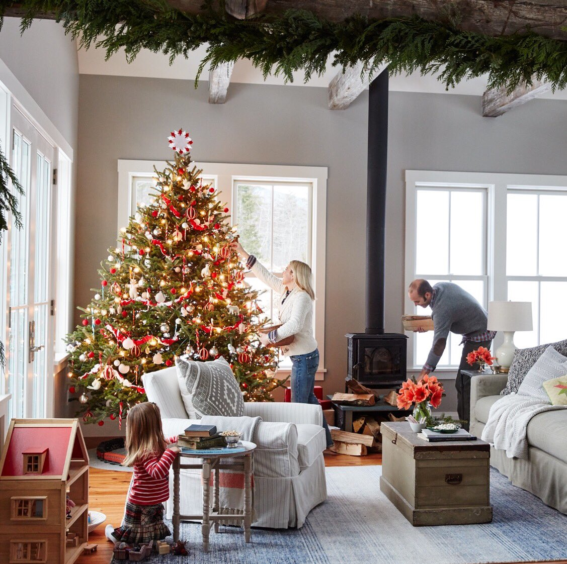 Stylish And Cozy Christmas Living Room Decor Ideas Private