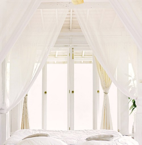 How to create a decor for romantic bedroom in a few steps