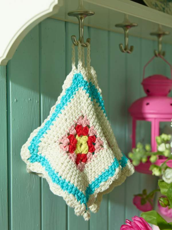 crochet details in the kitchen -objects