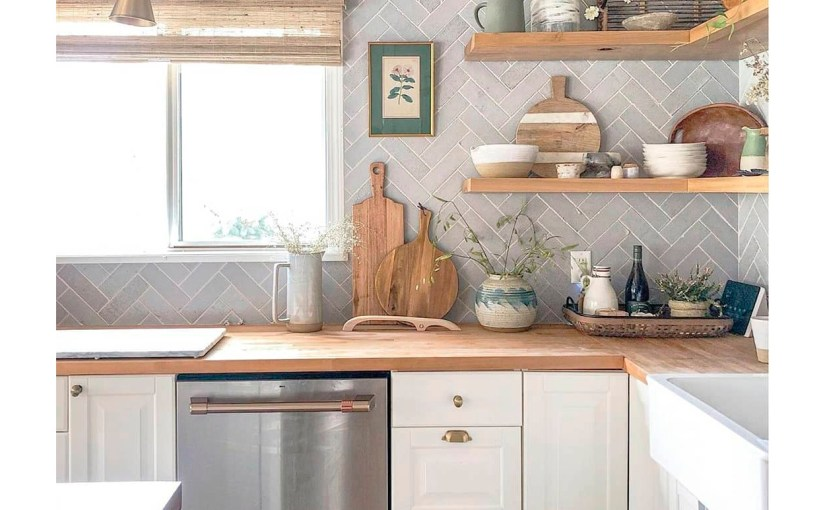 A farmhouse kitchen, practical and with personality