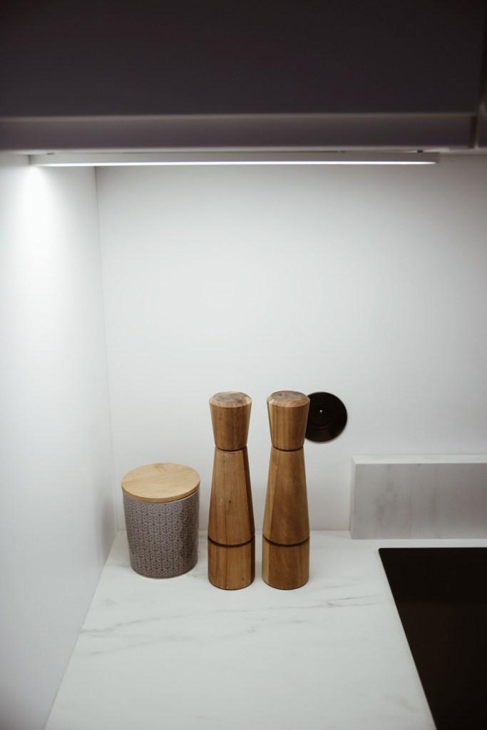 oświetlenie w małej kuchni IKEA
