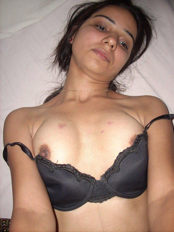 Desi Girl Riya Ki Nangi Boobs Ki Photos  My Desi Boobs-1324