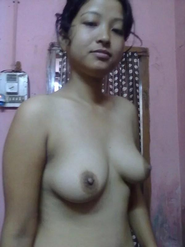 Arohi ki juicy boobs ki photos