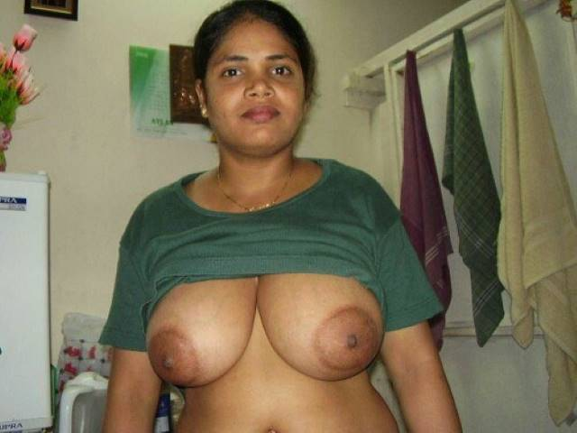 tshirt utha big melons ki aunty nude pics