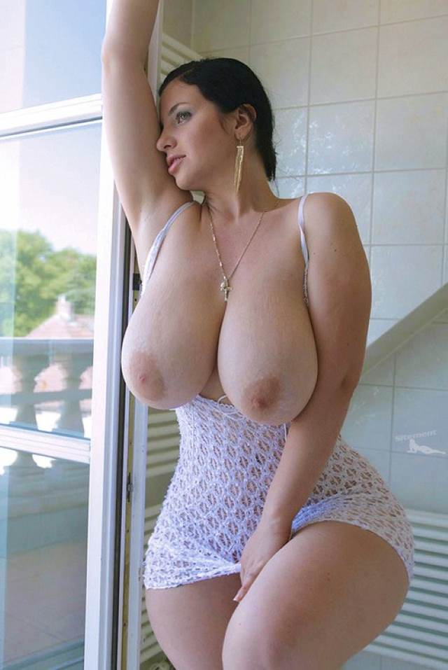 big melons of a hot sexy aunty