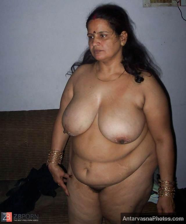 Huge Indian boobs photos dikhati mast bhabhi