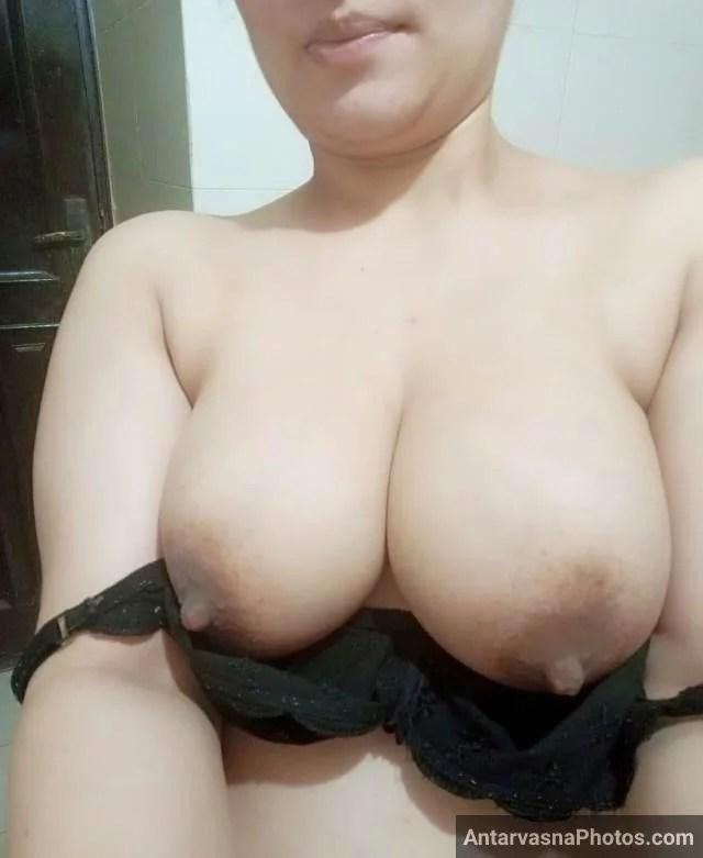 real juicy big boobs and pointy nipple wali hot aunty