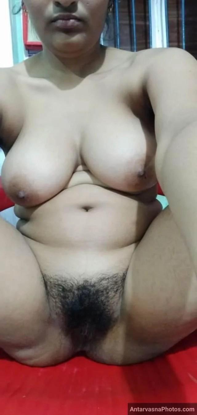 Big boobs choot pic yar ko bhejti hot babe Antarvasna photo