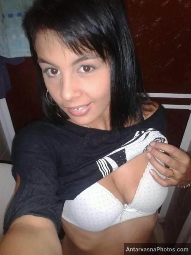 Indian kinky girls boob press karti pics boyfriend ke liye