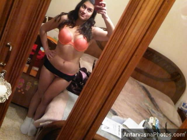 pink bra and black panty me hot indian girl pic