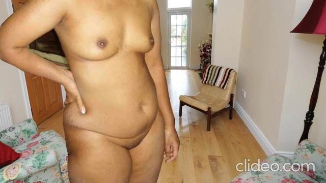 tight firm boob aur pussy dikhati indian aunty ki hot pic