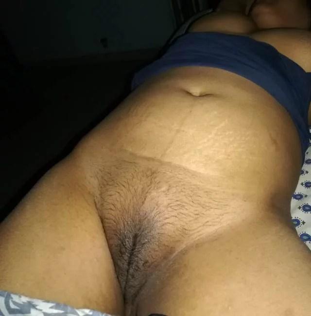 hot aunty ki hairy pussy ko kaun chodega friends