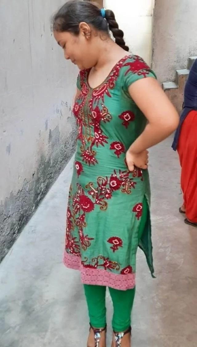 happy mood me bangladeshi bhabhi pic
