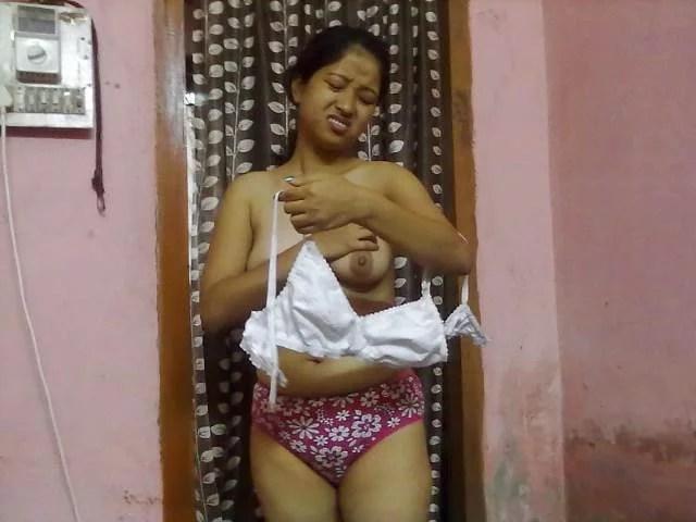 bra pahanti sexy aunty ki pic