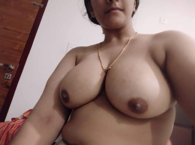 punjabi girl sitting naked and showing big tits