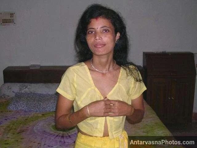 bhabhi opening blouse for husband