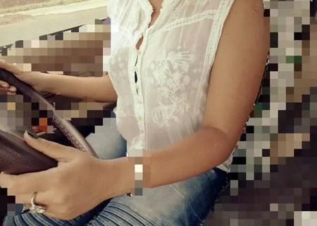 indian sexy bhabhi in car