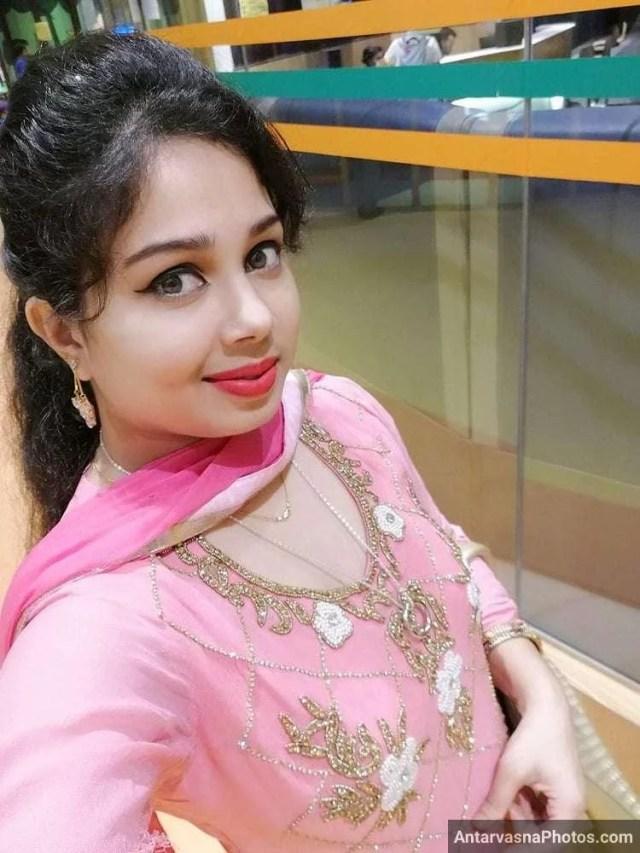 sexy marathi big boobs bhabhi girlfriend selfies 42