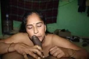 mature Bhabhi kissing black cock