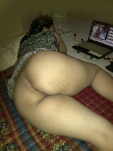 Desi hot mom story with nude pictures