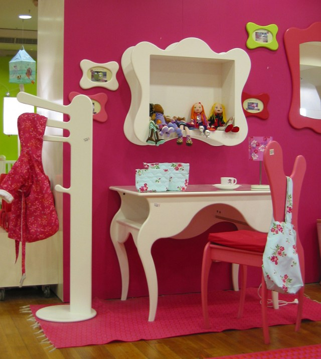 Bright collection of children's furniture4