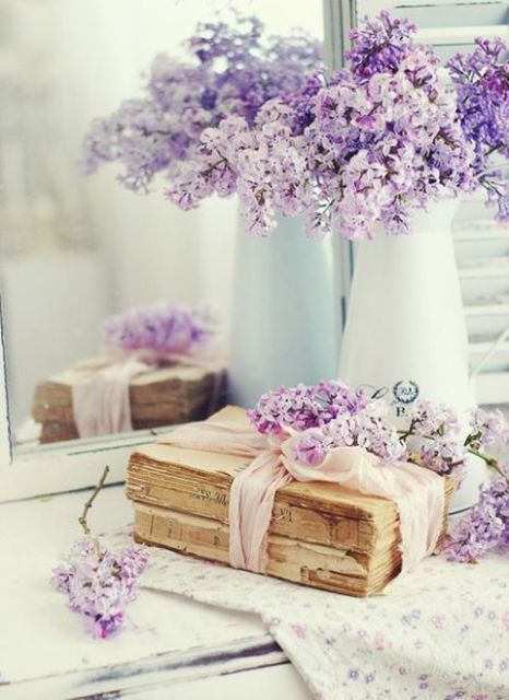 Purple decorative touches6