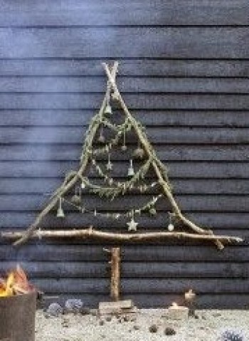 Christmas tree ideas from log and branches27