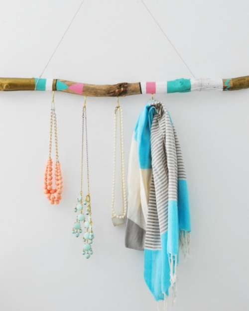 hangers from driftwood1